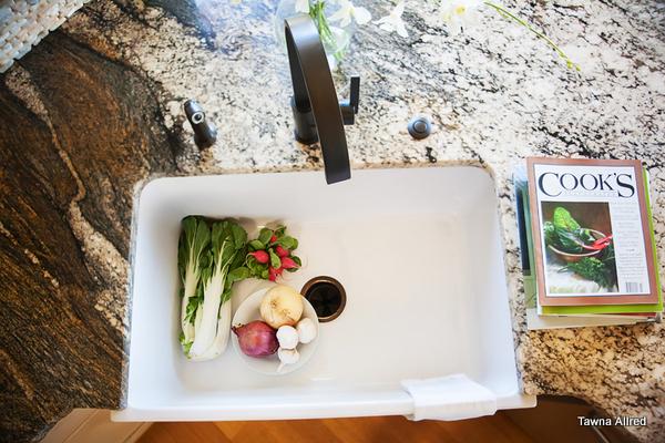 modern-country-kitchen-sink