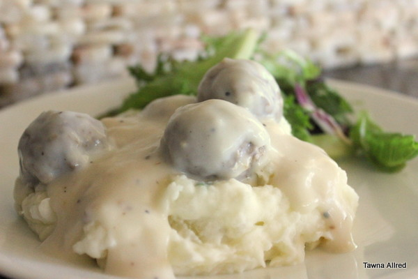 potatoes-with-creamed-meatball-gravy