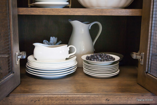 stached-white-dishes