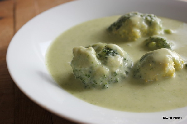 cream-of-spinach-and-broccoli-soup