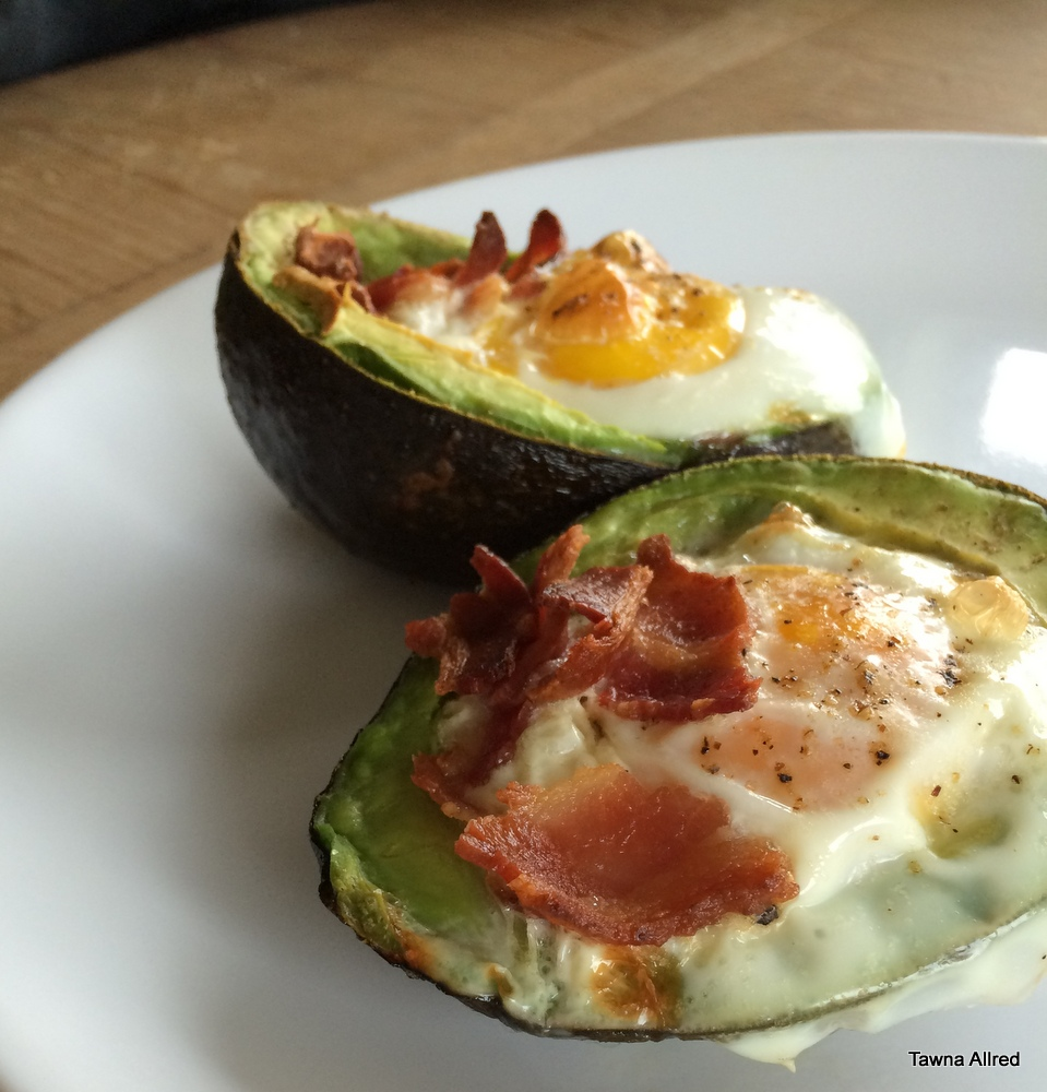avocado-egg-bake