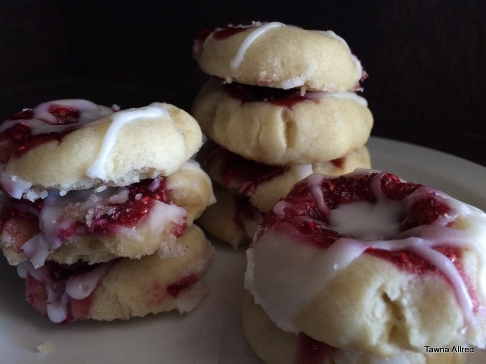 raspberry-thumbprint-cookies-001