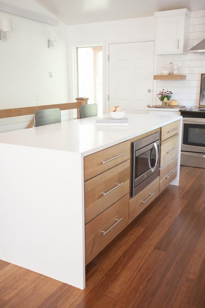 sugar-loaf-wooden-cabinet-kitchen-island-design